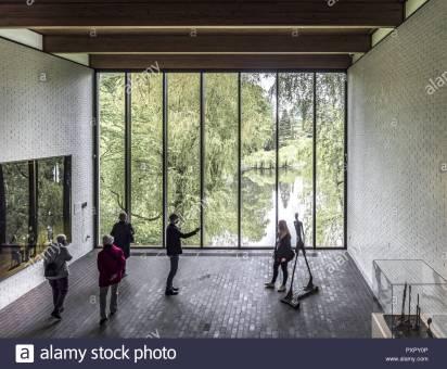louisiana-museum-of-modern-art-denmark-PXPY0P